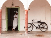 Cycling  1411154017 Old Delhi. Jama Mashid Mosque. : Countries & Places, Cycling, Delhi, India, Individuals, People